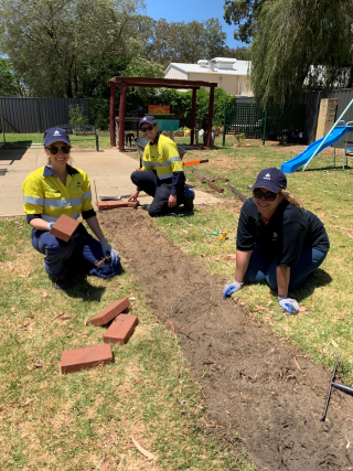 (L-R) Alcoa employees Caitlin Bayliss  Kristian Gustafsson and Stacy Hogan volunteering for Safe Woman Safe Family Pinjarra